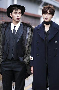 Park Seo Joon & Park Hyung Sik — Hwarang for Vogue Park Hyung Sik Hwarang, Park Hyung Shik, Korean Drama, Oppa Gangnam Style, Kai Exo, K Drama, Park Seo Joon, Yoo Ah In, Handsome Korean Actors