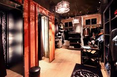 addicted to rock//Vienna//shop design//bar//restaurant//fitting room//container//fashion