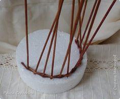 Мастер-класс Плетение Мини МК по плетению Ушастой корзины Трубочки бумажные фото 4
