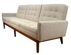 Florence Knoll Sofa 1968, this is such a classic!