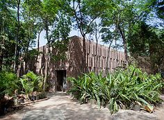 Fachada do pavilhão da fotógrafa Claudia Andujar no Instituto Inhotim – William Gomes/Divulgação