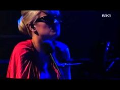 melody gardot - love me like a river does Such an incredible artist.  Completely different arrangement live but totally engrossing!