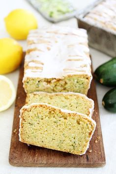 Lemon Zucchini Bread Recipes This moist lemon zucchini quick bread is topped with a sweet lemon glaze and is a summer favorite. Enjoy a slice for breakfast, as a snack, or desser. Lemon Zucchini Cakes, Best Zucchini Bread, Zucchini Bread Recipes, Yellow Zucchini, Zucchini Loaf, Recipe Zucchini, Zucchini Brownies, Lemon Recipes, Sweet Recipes