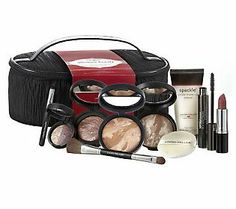 Give a lucky lady the gift of a complete makeup kit with this beautiful Laura Gellar holiday set!  #QVCgifts