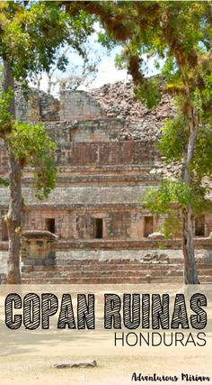 Tips for visiting Copan Ruinas in Honduras, a UNESCO site just by the border to Guatemala. Copán Ruinas: It's not difficult to see how Honduras earned its reputation of being the most dangerous country in the world. Tegucigalpa, Cozumel, Cancun, Places To Travel, Places To Visit, Travel Destinations, Honduras Travel, Honduras Flag, Backpacking Asia