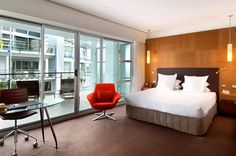 HILTON AUCKLAND -  Total Rooms: 165
