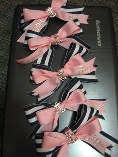 Matching hair bows for my DG family.
