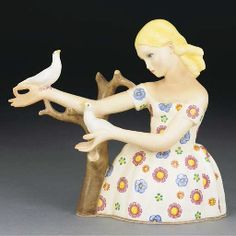 'Fanciulla con colombi' a Lenci polychrome earthenware figure