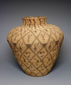 Basketry Olla: San Carlos Apache: San Carlos, Arizona, United States Materials used: Split Cottonwood, Split Devil's Claw, and willow (rods) Approx. x cm x 25 in. Native American Design, Native American Indians, Jar Image, Indian Baskets, Arizona, Bubble Art, Plant Fibres, Weaving Art, Art Institute Of Chicago