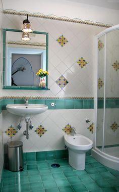 best ideas make vintage bathrooms 2 « A Virtual Zone Home Room Design, Bathroom Interior Design, Vintage Bathrooms, Bathroom Remodel Master, House Outside Design, Contemporary Living Room Design, Toilet Design, Contemporary Bathroom Designs, Bathroom Decor