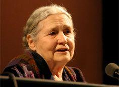 Doris Lessing.(Kermanshah, Irán, 1919 - Londres, 2013) Escritora inglesa.