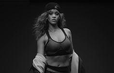 Rihanna Stars in PUMA's Fall/Winter 2015 Training Campaign Mode Rihanna, Rihanna Riri, Rihanna Style, Jeremy Scott, Kanye West, German Clothing Brands, Black Girls, Black Women, Paris Jackson