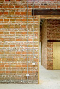Image 9 of 28 from gallery of CDLE Offices / R-Zero. Photograph by Moritz Bernoully Z Brick, Brick Art, Brick In The Wall, Brick Facade, Brick And Stone, Brick Cladding, Brick Architecture, Interior Architecture, Brick Images