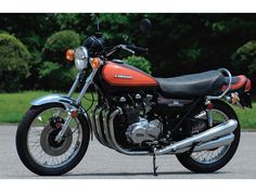 kawasaki z1 900cc super 4. one of the most collectible kawasaki
