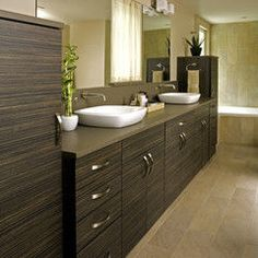 love this bathroom. it's so natural looking.