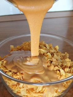 No-Bake Corn Flake Peanut Butter Treats. So easy. So good! Best no-bake treats for summer.