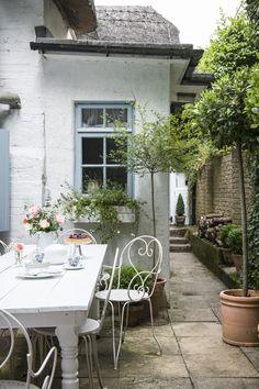 Small Cottage Garden Ideas, Cottage Garden Design, Small Garden Design, Small Back Garden Ideas, Cottage Garden Patio, Garden Beds, Small Courtyard Gardens, Small Gardens, Small Garden Patios