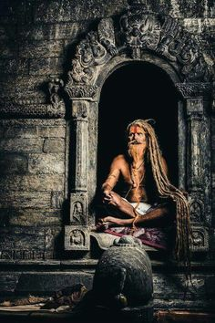 Shared by Rose Singh. Find images and videos about india, sadhu and meditation on We Heart It - the app to get lost in what you love. Sadhus India, Photographie Street Art, Yoga Studio Design, Lord Shiva Hd Wallpaper, Shiva Art, Amazing India, India Culture, World Cultures, People Around The World