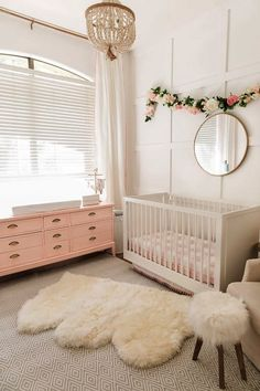 Ceramic Barn Kids shares nursery furniture ideas that are innovative and versatile. Find baby furniture ideas that aid you design a baby's nursery. Baby Nursery Diy, Baby Bedroom, Nursery Room, Girl Nursery, Nursery Decor, Project Nursery, Nursery Ideas, Diy Baby, Peach Nursery