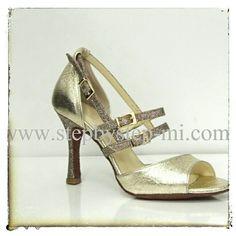 Sandalo in pelle platino e glitter multicolor #stepbystep #scarpedaballo #danceshoes #bachata #salsa #sandal #sandali