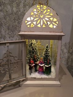 Cozy Christmas Decorations That's is Your Ultimate Happy Place - Hike n Dip Lantern Christmas Decor, Noel Christmas, Rustic Christmas, Vintage Christmas, Christmas Ornaments, Elegant Christmas, Primitive Christmas, Outdoor Christmas, Christmas Christmas