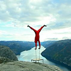 The last time most of us tried a handstand was when we were goofing around in high school gym. But there's no goofing in Eskil Ronningsbakken's brand of madness. In High School, The Last Time, Handstand, Latest Video, Madness, Music Videos, Gym, Youtube, Handstands