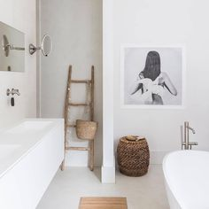 Minimalist Home Interior .Minimalist Home Interior Minimal Bathroom, Modern Bathroom, Small Bathroom, Bad Inspiration, Bathroom Inspiration, Decor Scandinavian, Kanazawa, Beautiful Posters, Beautiful Bathrooms