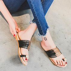Outsole Material: Rubber Heel Type: Flat with Season: Summer Fit: Fits true to size, take your normal size Insole Material: Rubber Heel Height: Low (1cm-3cm) Shoes Type: Flip Flops With Platforms: No Pattern Type: Solid Upper Material: PU