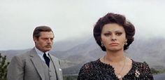 Sophia Loren con Marcello Mastroianni in Matrimonio all'italiana (1964)