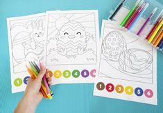 Vous cherchez une petite activité de Pâques à mettre en place rapidement pour occuper vos enfants ? Voici 3 coloriages magiques à imprimer. Votre enfant devra suivre le code couleur pour réaliser chaque coloriage. J'espère que cela Easter Activities, Bullet Journal, Diy, Place, Voici, Morning Routine Kids, Creative Kids, Creative Crafts, Bricolage