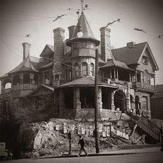 Atlanta's spookiest mansions #Halloween