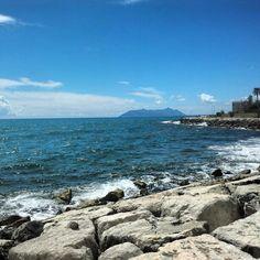 La Maga Circe vista dal porto di Terracina.  Ulisse attraverso' queste acque e venne rapito dalle loro bellezze , incantato dal canto delle sirene ed intrappolato dai poteri dell'implacabile Circe, follemente innamorata del Principe greco.