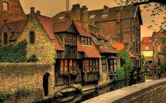 Bruges, beautiful, always! By Medieval Imago & Dies Vitae Idade Média e Cotidiano - via Facebook.