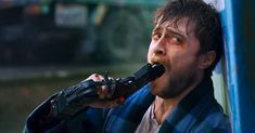 Daniel Radcliffe takes up arms in the crazy trailer for Guns Akimbo - A game on. - Daniel Radcliffe takes up arms in the crazy trailer for Guns Akimbo – A game on a national scale - Daniel Radcliffe, Running Man, Mary Johnson, Draco Harry Potter, Tyler Posey, Avril Lavigne, Oprah Winfrey, Reaction Pictures, Jennifer Lopez