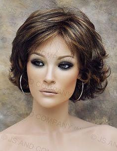 Super Ideas For Hair Curly Grey Medium Lengths Short Hair With Layers, Layered Hair, Short Hair Cuts, Mom Hairstyles, Pretty Hairstyles, Haircuts, Medium Hair Styles, Curly Hair Styles, Short Wigs