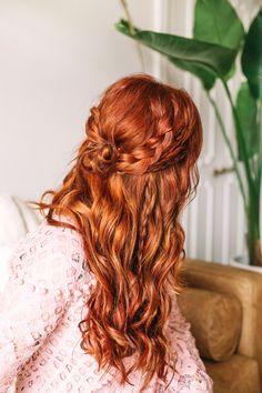 Braided Wavy Boho Hair Tutorial Basically add braids in varying widths and pin back. Boho Hairstyles For Long Hair, Wavy Hairstyles Tutorial, Braided Hairstyles Tutorials, Box Braids Hairstyles, Pretty Hairstyles, Updo Hairstyle, Braid Hair Tutorials, Boho Hair Short, Wavy Hair With Braid
