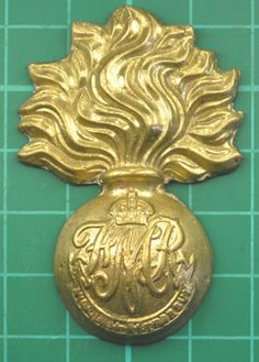 Cap Badge: Les Fusiliers Mont-Royal (French Canadian) AB in Collectables, Badges/ Patches, Military Badges Canadian Army, Crests, Badges, Flags, Patches, Military, Hero, Cap, French