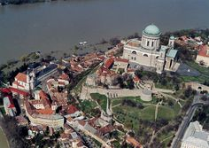 Esztergom en Hungría Paris Skyline, Europe, Travel, Beautiful, Vacations, Viajes, Destinations, Traveling, Trips