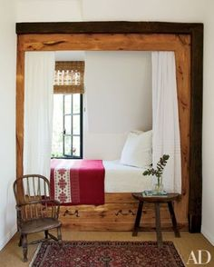 Cozy sleeping nook (=)