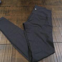 Lululemon Wunder Under Yoga Pants Sz S- great condition! lululemon athletica Pants