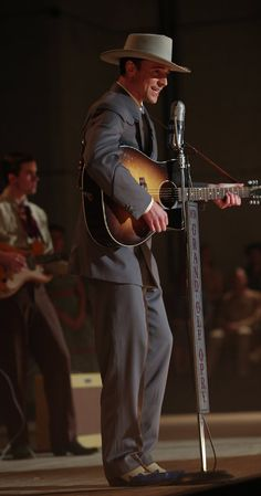 I saw the light. Directed by Marc Abraham.  With Elizabeth Olsen, Tom Hiddleston, David Krumholtz, Bradley Whitford. A biography of Hank Williams.
