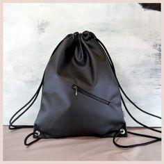 tina turnbeutel / simple fake leather black