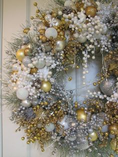 White Silver Gold Heirloom Christmas Wreath