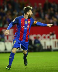 Barcelona's Argentinian forward Lionel Messi celebrates after scoring during the Spanish league football match Sevilla FC vs FC Barcelona at the Ramon Sanchez Pizjuan stadium in Sevilla on November / AFP / CRISTINA QUICLER Fc Barcelona, Barcelona Futbol Club, Lionel Messi, Messi 2017, Messi Soccer, Uefa Champions, Professional Football, Football Match, Leo