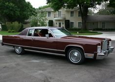 All American Сlassic Сars — 1977 Lincoln Continental Town Coupe Hardtop Lincoln Motor Company, Ford Motor Company, Old Race Cars, Us Cars, Lincoln Continental, Retro Cars, Vintage Cars, Classic Cars Usa, Kansas Usa