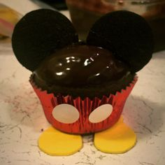 Mickey Mouse Cupcake Creation.