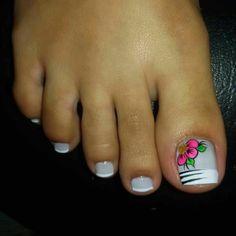 Toenail Art Designs, Pedicure Designs, Pedicure Nail Art, Toe Nail Art, Toe Nails, White Toenails, Pretty Pedicures, Nails 2017, Hair Beauty