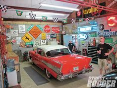 Where my car SHOULD be and what my garage should look like Man Cave Garage, Classic Car Garage, Garage Pictures, Vintage Gas Pumps, Cool Garages, Old Garage, Garage Signs, Garage Shop, Garage House