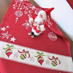 Christmas Cross, Winter Christmas, Xmas, Cross Stitch Kitchen, Diy Cards, Cross Stitch Patterns, Birthday Cards, Christmas Decorations, Kitty