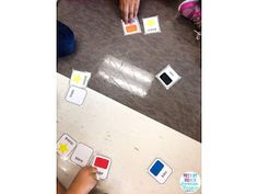 Oral communication games for French Immersion and Core French students! Spanish Teaching Resources, French Resources, Teaching Materials, Teaching French, Teaching Writing, Teaching Ideas, Kindergarten Games, Preschool, French Colors